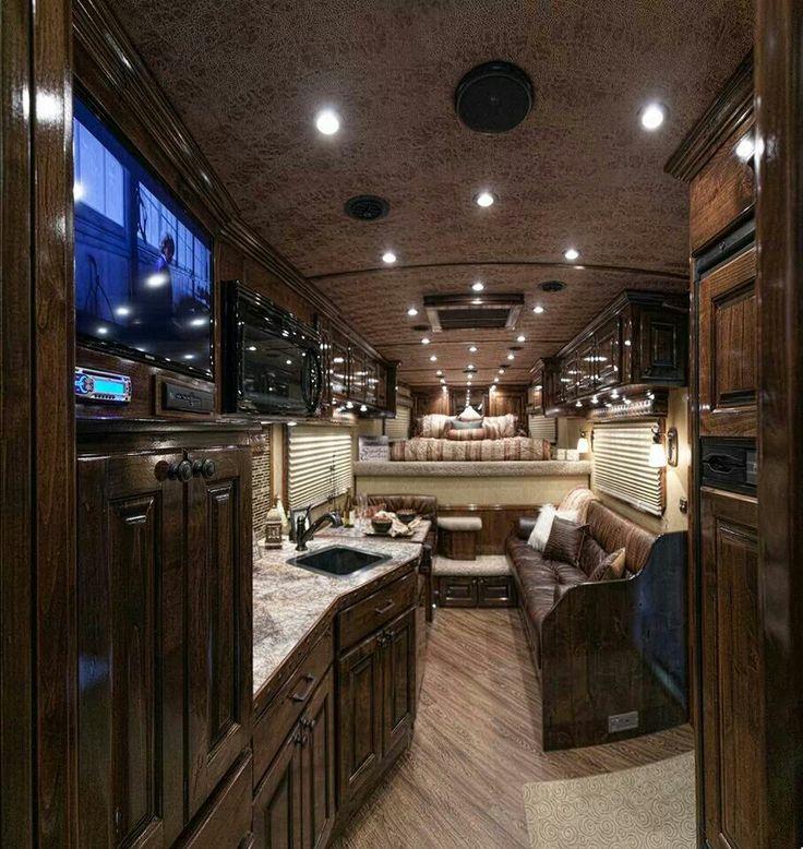 Coolest horse trailer evverrr