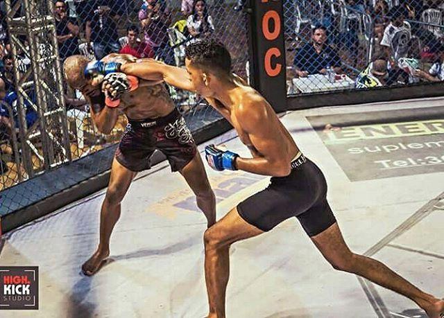 """0 curtidas, 1 comentários - João Oliveira (@joaomma_) no Instagram: """"Buscando de longe no estilo Snipers.💥🔫 #punch #soco #mma #ufc #vitoria #direto #striker #boxe…"""""""