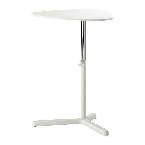 SVARTÅSEN Laptopgestell IKEA Leicht zugänglicher Drehgriff zum individuellen Anpassen der Arbeitshöhe.