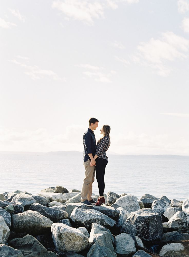 Romantic waterfront engagement: http://www.stylemepretty.com/washington-weddings/seattle/2015/03/16/seattle-waterfront-engagement-session/ | Photography: O'Malley - http://omalleyphotographers.com/
