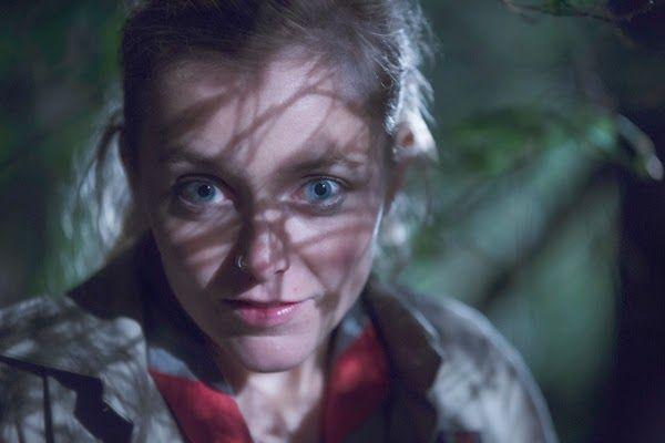 Cub Piccole prede (2014) HORROR – DURATA 84′ – BELGIO Sam, un dodicenne fantasioso, va in campeggio nel bosco con la sua squadra di scout. Insieme agli altri lupetti e al leader del gruppo, Sam si ritrova in una foresta oscura, dove vivono anche un bracconiere psicopatico e il suo piccolo aiutante mascherato…