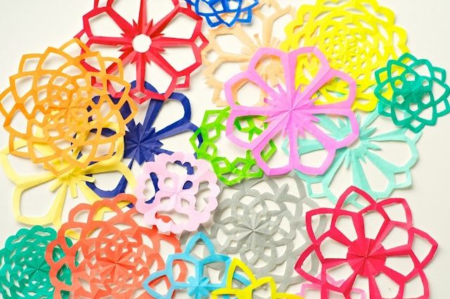 kirigami - Japanese paper cutting