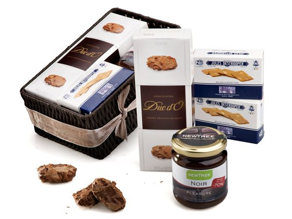 Belgiums Best  Price:  €39.80  Discover Belgium's best products: Destrooper butter biscuits, NewTree chocolate spread and Duc D'O truffles. All of them are nicely arranged in a tin box. It's a amazing birthday gift delivery to Belgium.