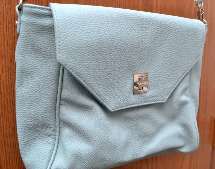 Jewell's Beautiful Love Letter Handbag | Optimistic Mommy