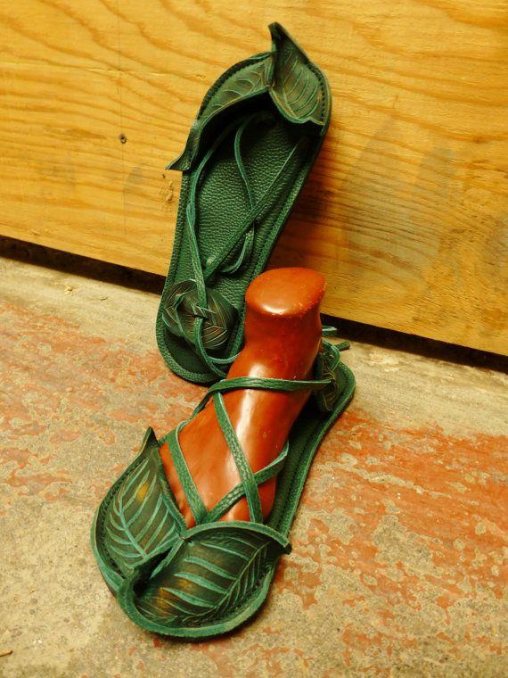 NEW! Closed toe LEAF Maori Sandal / Handmade Leather Adjustable Womens Lace Up Sandals Renaissance Wood Nymph Elf Fairy Faerie LARP Woodland...