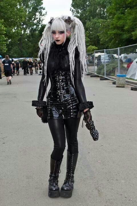 CYBERGoth. Feel like exploring new fashion out of the ordinary or redesigning your personal image? Check out this board #ModernSubculturesbyPassoubar  ❤ You can find all types of old and modern urban tribes/Subcultures fashion.
