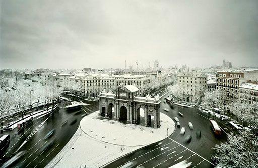 Fernando Manso - Puerta de Alcalá cubierta con un manto de nieve, Madrid