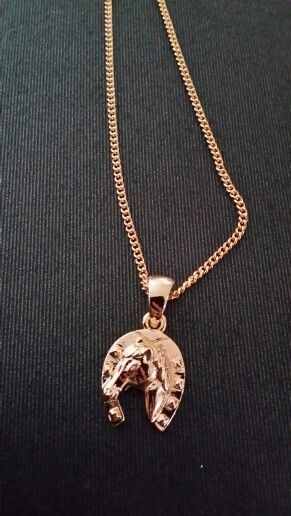 1000 id es sur le th me collier de fer cheval sur pinterest bijoux rustiques bagues country. Black Bedroom Furniture Sets. Home Design Ideas