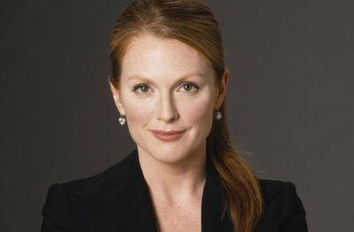 Brand Ambassador of L'Oreal Paris: Julianne Moore