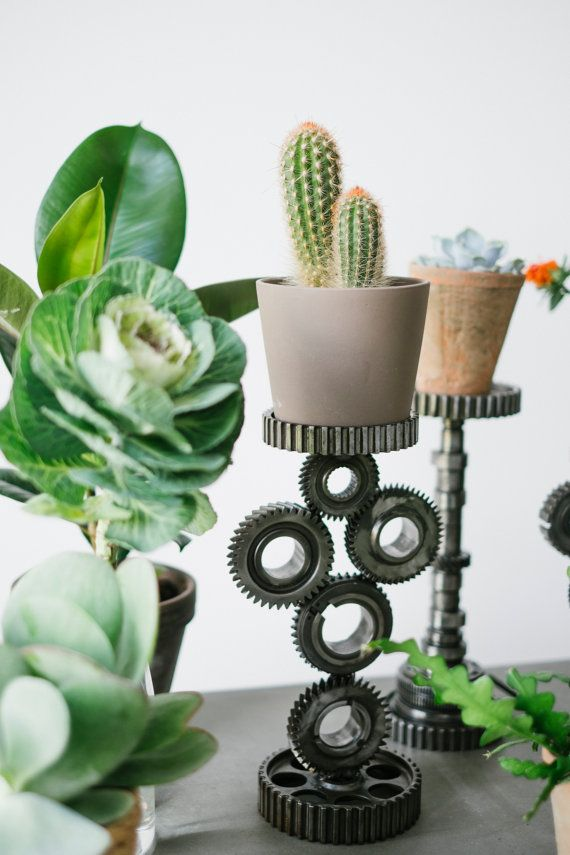 Industrial stand made of pulleys cogs Flowerpot by RECONrenewed
