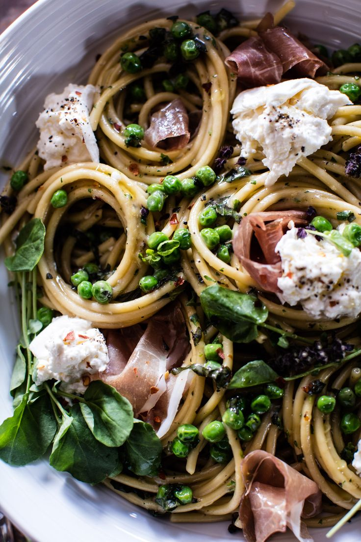 Simple Buttery Spring Pea and Burrata Pasta with Prosciutto | halfbakedharvest.com @hbharvest