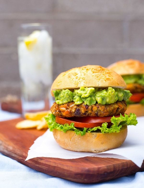 These Green Chili and Sweet Potato Veggie Burgers are the best veggie burgers you will eat this summer!