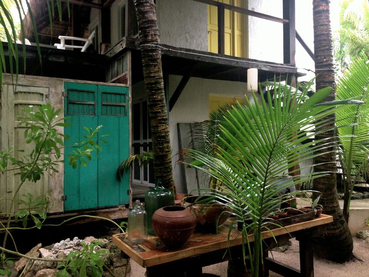 Garden at Posada Margherita Tulum Mexico http://handsomecitizens.com/2013/07/21/earthy-interiors-posada-margherita-riviera-maya/