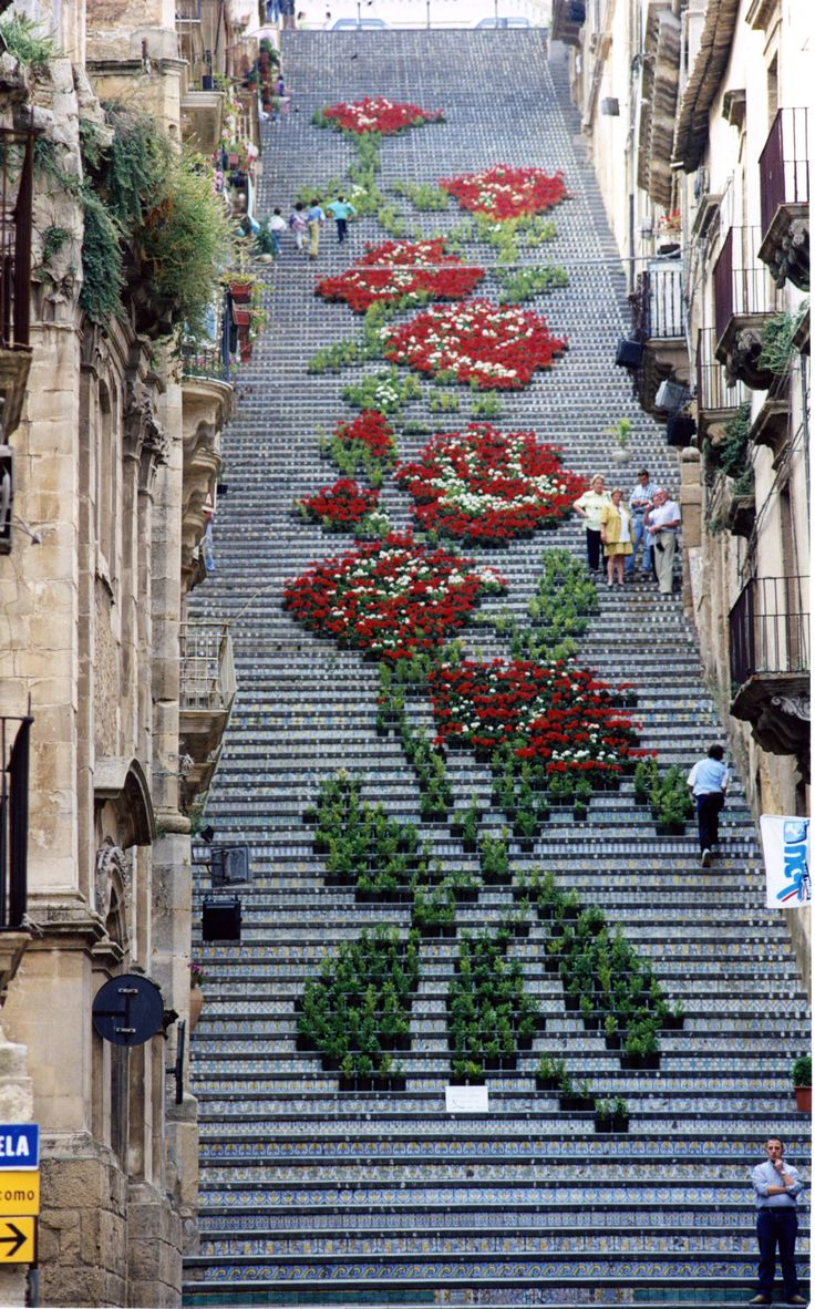 A Historic Staircase in Caltagirone, Sicily Used as a Backdrop for Light and Flower Festivals Sicily multiples installation flowers | Photo by Andrea Annaloro