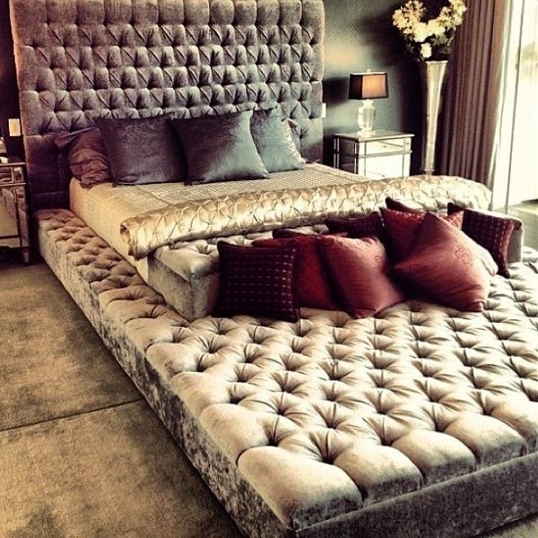 Infinity bed - looks like an awesome bed for people with lots of dogs ;)