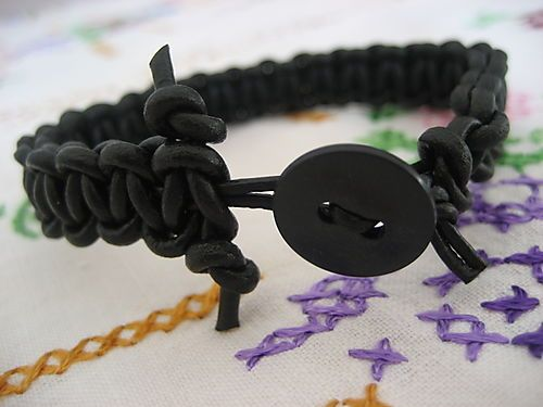 Tutorial for making a Leather Bracelet
