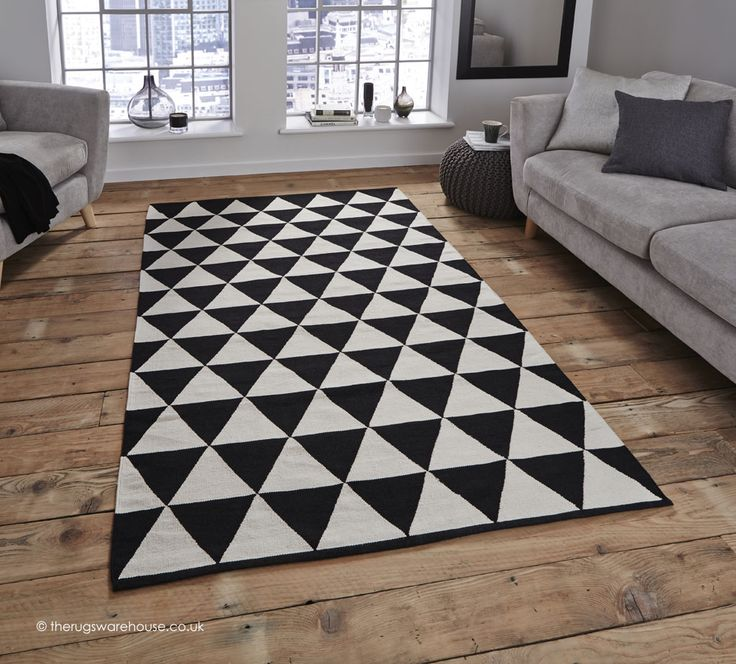Manhattan Triangles Rug Http Www Therugswarehouse Co Uk Black Geometric Rugwool