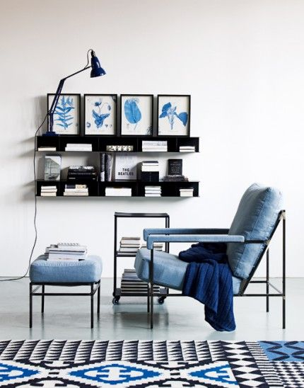 Pleasing palette for a high Accuracy value: three distinct gradations of blue play against crisp black and white. (commentary via The Voice Bureau | AbbyKerr.com)