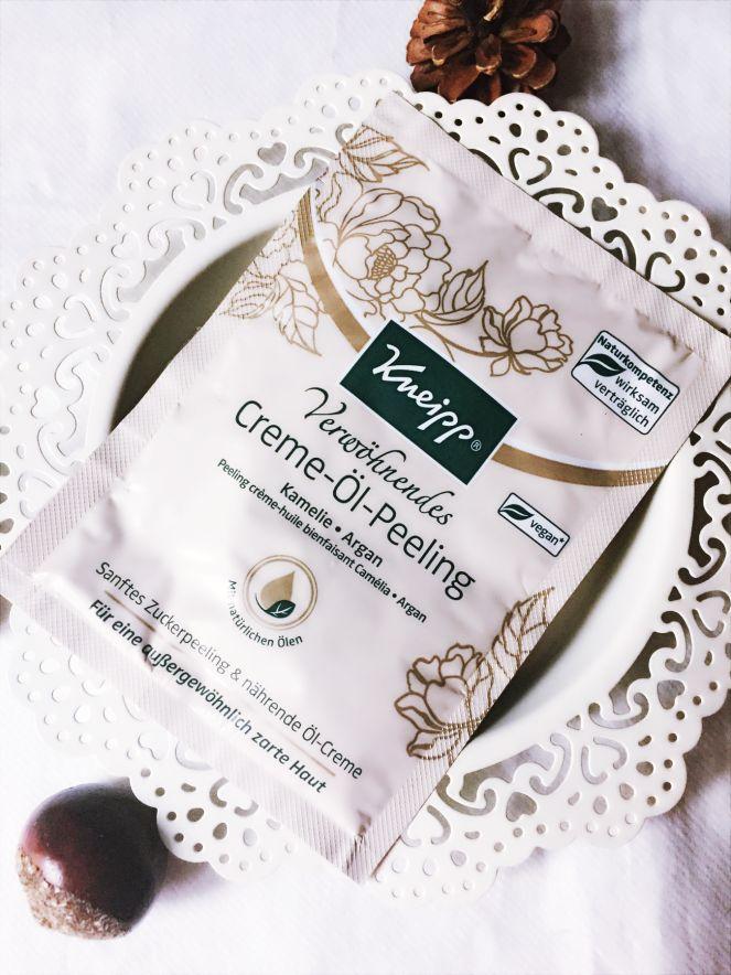 24/11/2017 1St. Kneipp Verwöhnendes Creme-Öl Peeling CC (Parfum) 1€
