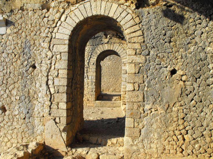 Fotografie di un particolare dell'Acropoli di Circei, conosciuta come il Circeo sull'omonimo monte, siamo a San Felice Circeo.