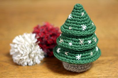 かぎ針編みのシンプルなクリスマスツリーの作り方|編み物|編み物・手芸・ソーイング|アトリエ|手芸レシピ16,000件!みんなで作る手芸やハンドメイド作品、雑貨の作り方ポータル