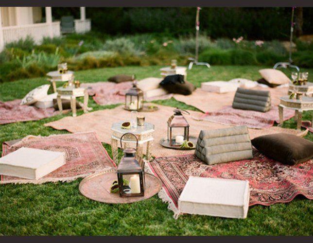 Leuk idee voor een buiten bruiloft alleen misschien een paar alternatieve zitplaatsen voor - Deco massief buiten ...