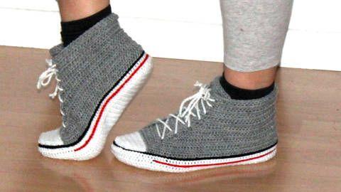 Chaussons façon chaussures de sport - modèle crochet chez Makerist
