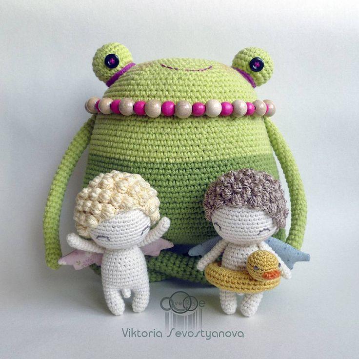 Веселая летняя компания! #хобби #хендмейд #рукоделие #ручнаяработа #вязаное #вязаноекрючком #вязание #вязаниекрючком #вяжутнетолькобабушки #вязаныезвери #вязаныеигрушки #вязаныекуклы #лягушка #ангел #ангелочек #hobby #handmade #crochet #knit #yarn #knitting #frog #averse_toys