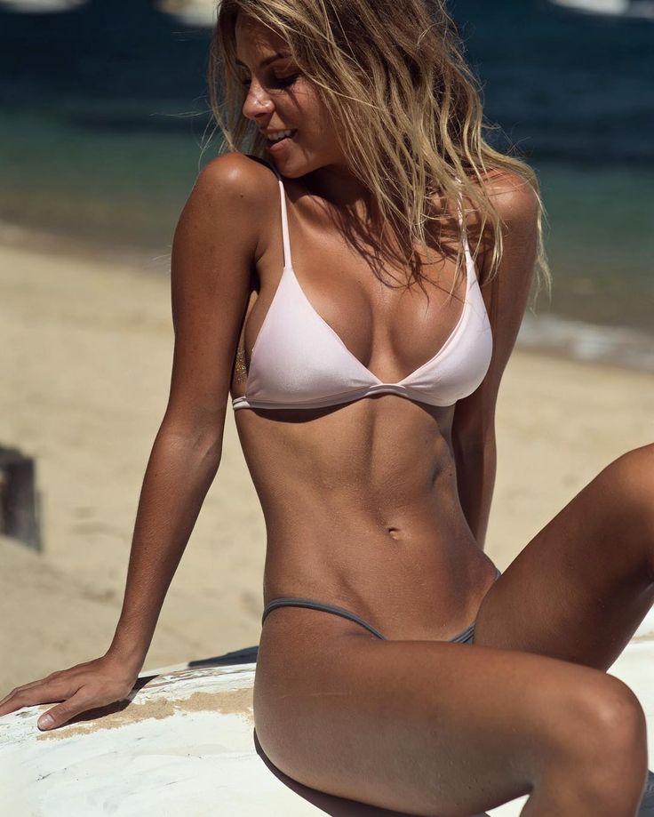 babe bikini cubin free