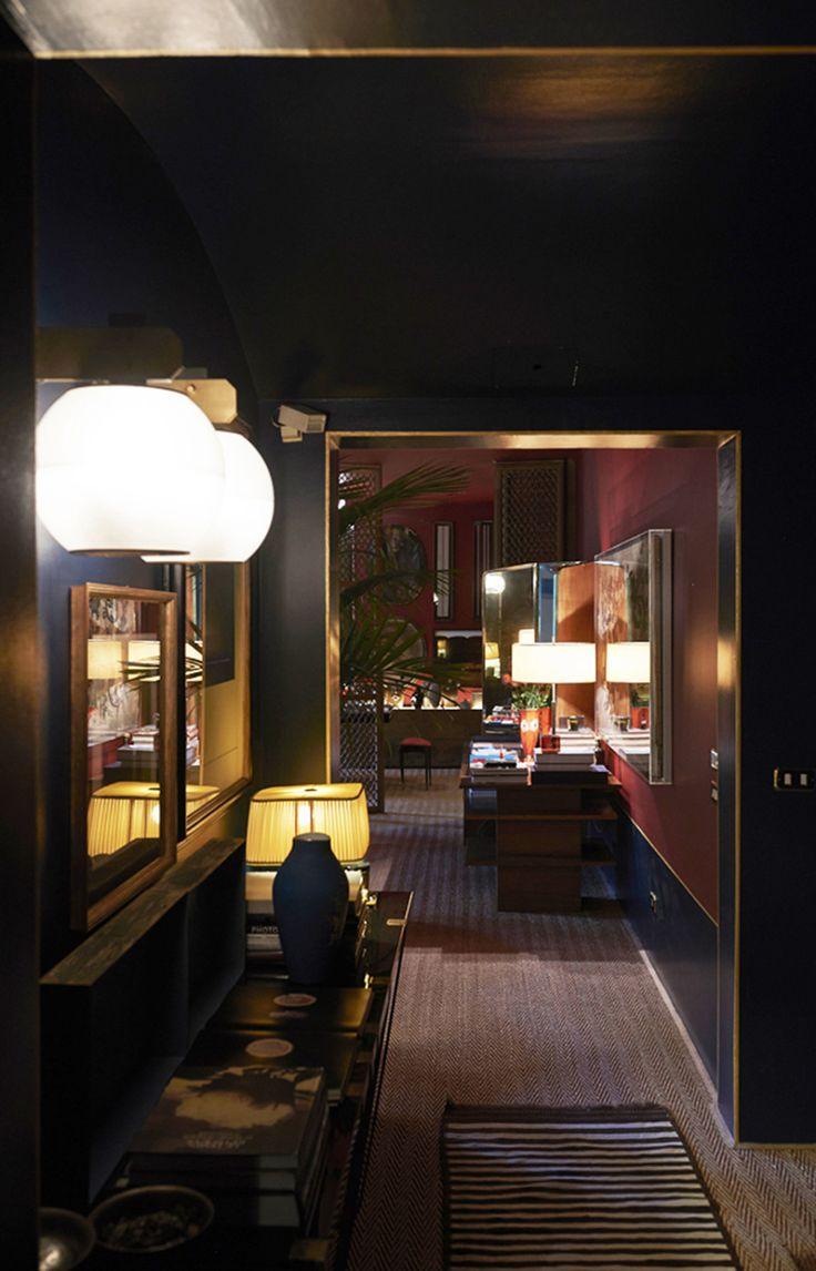 Milano Mozart, corridor by Dimorestudio