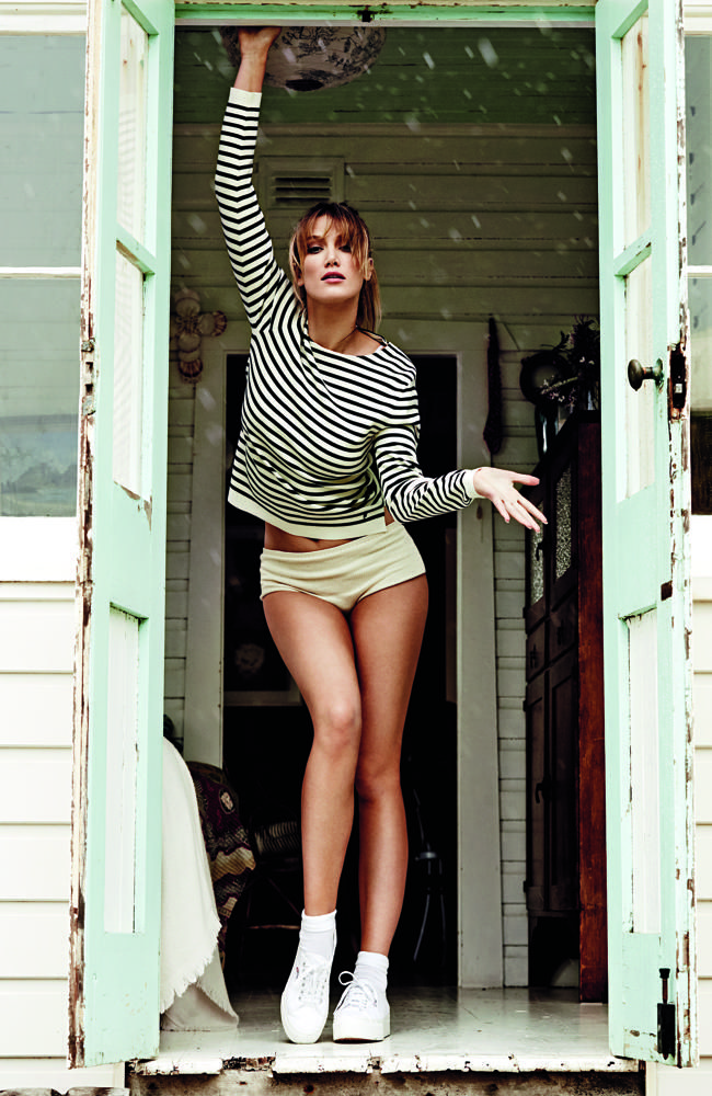 With new-found confidence, Goodrem comfortably posed for this Sunday Style photo shoot.
