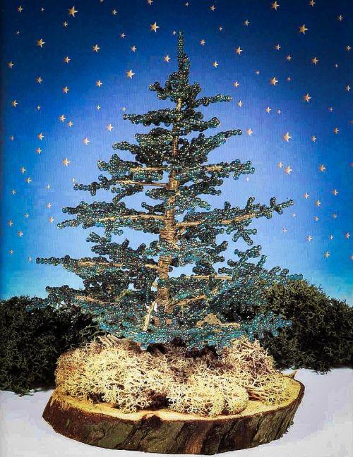 Зеленая елка к Новому Году / Деревья, бонсай, Новогодние изделия / Biserok.org