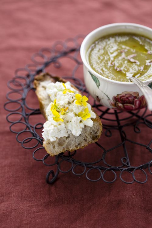 Jerusalem artichoke soup with brocciu bruschetta