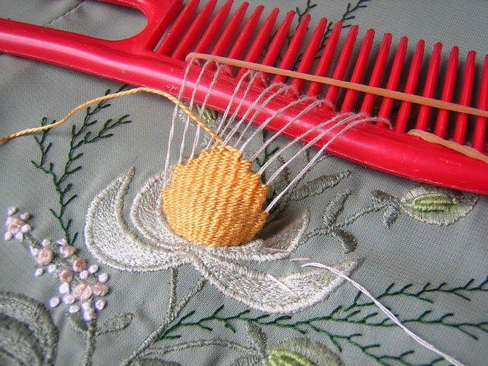 Декоративные приемы вышивки: Comb Embroidery (Вышивка на расческе)