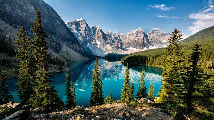 Скалистые горы в провинции Альберта, Канада. Эти места славятся поразительно чистой и голубой водой с зеленым оттенком. (Фото Ron Caimano)