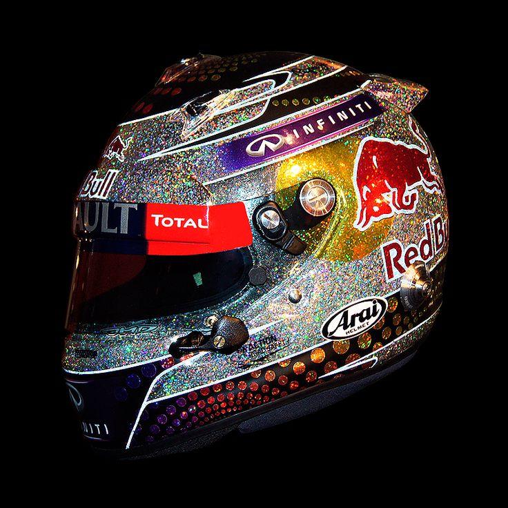 Caterham Singapore: Valtteri Bottas Special Singapore Helmet F1 2014 T