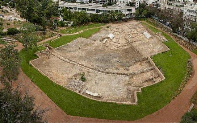 Hellas On-line: Άνοιξε ο αρχαιολογικός χώρος του Λυκείου του Αριστ...