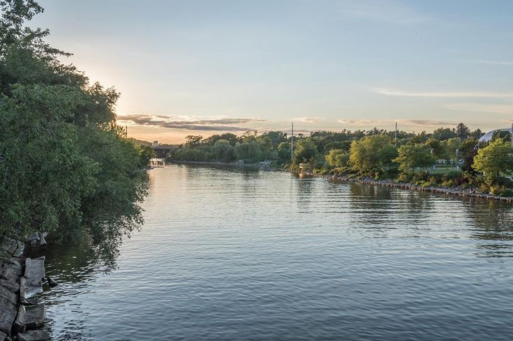 It's days like today that get me dreaming of nice summer weather. Like this beautiful dusk shot of the Credit River.
