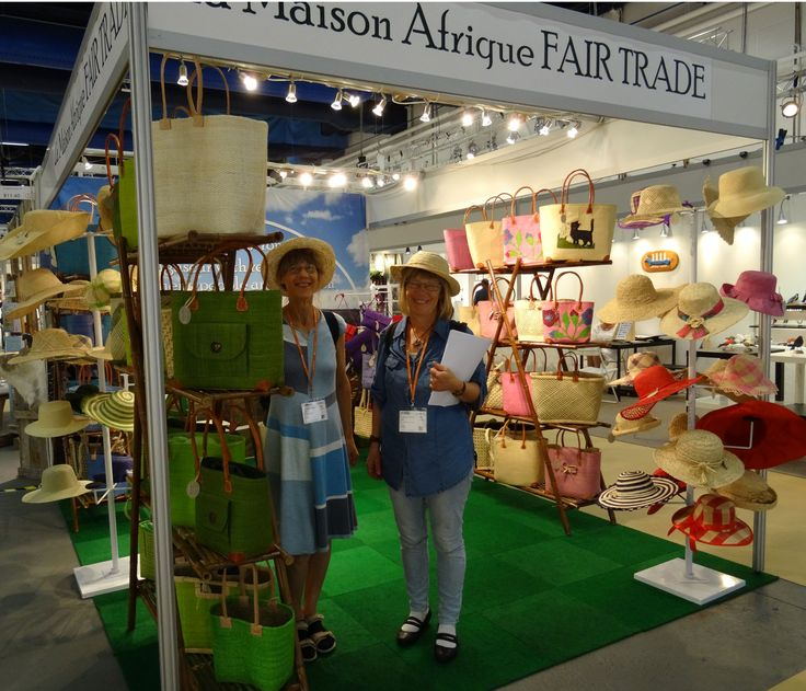 At Lottas Garfveri in Sigtuna you find a great amount of knowledge in traditional Crafts - and you can buy hats and bags from La Maison Afrique FAIRTRADE. #Formex #Crafts #fairtrade #hantverk #sigtuna