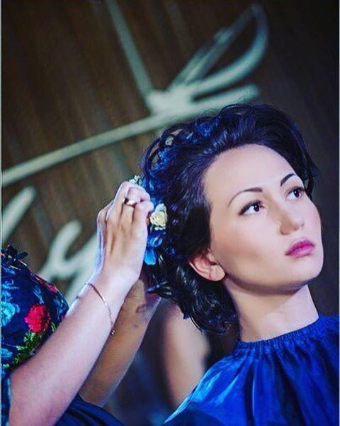 ���������������� ������Люблю свою работу! Прически, макияж, новые образ. Это так интересно... @khasanova_ilmira @repost.app #студияпричесокмирамин #образ #beautiful #bride #прическиказань #прическаказань#прическидлясебя #прическадлявыпускницы #hairstylist #записьнаприческу #записьнаприческуказань #хасановаэльмира89274003946 http://gelinshop.com/ipost/1517947169142592232/?code=BUQ1OhsjdLo