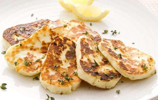 Ricette formaggio, l'Halloumi di Cipro alla piastra - Halloumi alla piastra
