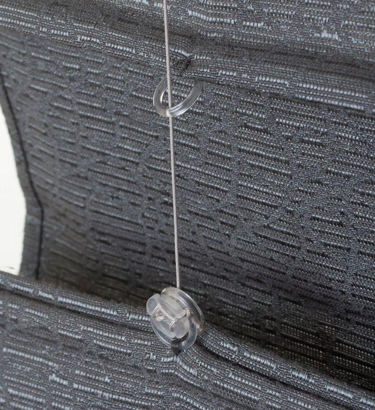 Honderd procent op maat gemaakt, dat zijn de vouwgordijnen van Veneta Raamdecoratie. Kies uit meer dan vijftig luxe en trendy stoffen, eventueel leverbaar met verduisterende voering.