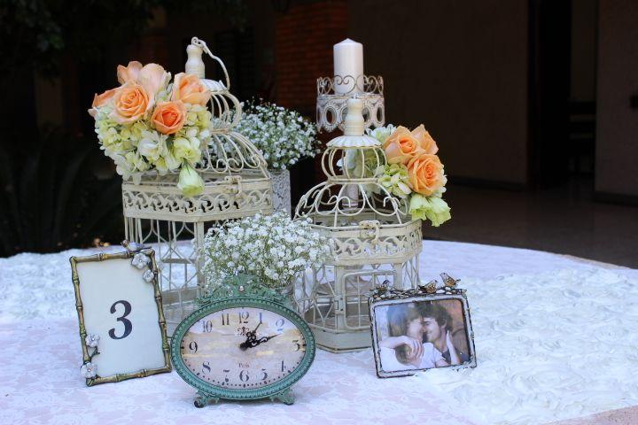 Centro de Mesa Vintage. Artículos por Alquibodas, decoración Ross Boda y Eventos! alquibodascr@outlook.com
