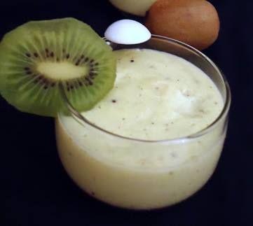 Et pour le dessert, une semoule au kiwi :) => http://ow.ly/kKbS30a7fd9