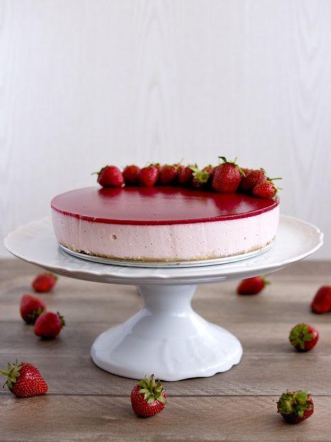 Jahodové zrcadlo - nepečený tvarohový dort