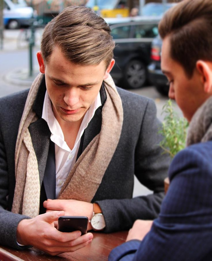 Paparazzi Shoot in the Streets of Düsseldorf. Our friends love meetings in the Muggel Cafe located in Oberkassel.   Jackman is taking care of you, keeps you warm and looks awesome for a short stop at the Cafe. #nisantari #businessmeeting Get him now at www.nisantari.com. #menswear #menwithclass #nisantari #accessories #gentleman #luxury #scarf #men #style #mnswr #mensfashion #business #cashmere #model #gentslounge #lookbook #ff #followback #dailystyle #classy #gq #fashion #mensgoods #dapper