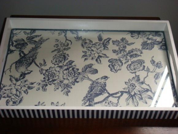 Bandeja-(fabric under glass frame)