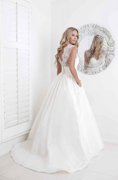 I really need this one - pockets to my own wedding!! Wendy Makin