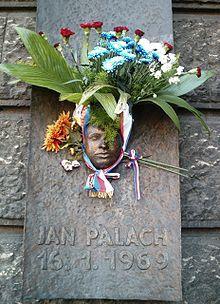 Jan Palach foto z průkazu - Jan Palach - Wikipedia