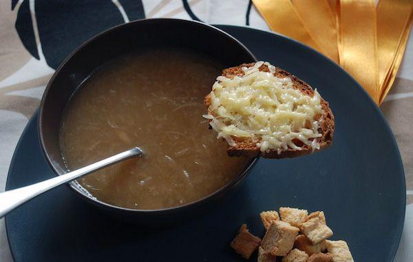 Ricetta perfetta: zuppa di cipolle (the perfect recipe for onion soup - in italian)